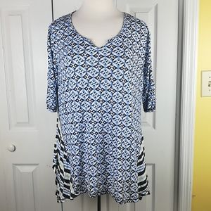 **Cato blue and white patterened tent shirt
